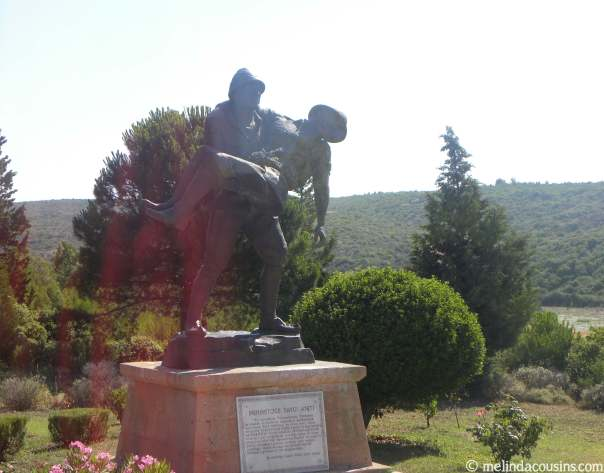 The Mehmetcçik Memorial, showing a Turkish soldier carrying an injured Australian back to his trenches