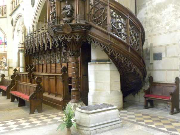 Grave and pulpit